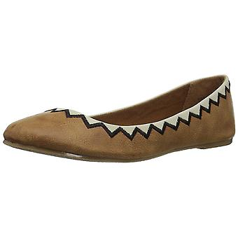 Coconuts by Matisse Women's Kissed by Ballet Flat