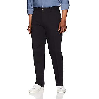 Essentials Men&s Classic-Fit Rynkbeständig Flat-Front Chino Pant, True Black, 42W x 30L