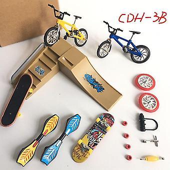 Mini Finger Skateboarding Fingerboard BMX Bicycle Set Fun Skate Boards Mini Bikes Jouets (D)