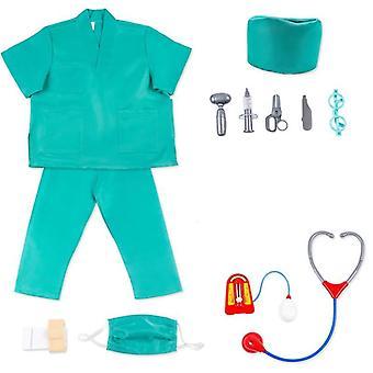 Bambini medico vestiti e strumenti medici per il gioco di ruolo dell'asilo