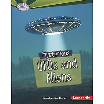 Mystiska UFO och utomjordingar (Searchlight böcker rädsla Fest)