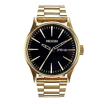 Nixon analog quartz watch with stainless steel band _ A356510