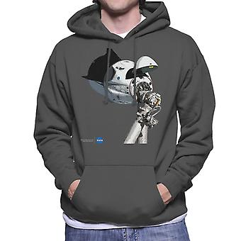 NASA SpaceX Dragon Capsule At The ISS Men's Hooded Sweatshirt