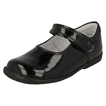 Tyttöjen Startrite koukku ja silmukka kiinnitys kengät Slide