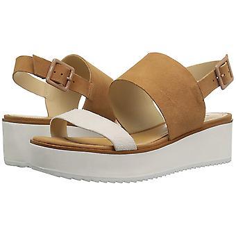 Schutz Women's Gianda Flat Sandal