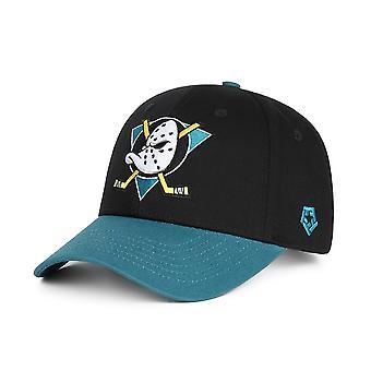 قبعة البيسبول / شقة