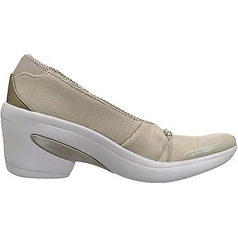 BZees Womens Electric Fabric Closed Toe Wedge Pumps