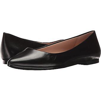 BCBGeneration Womens Millie Closed Toe Slide Flats