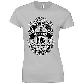 21 års fødselsdag gaver til kvinder hendes modnet 1998 T-shirt
