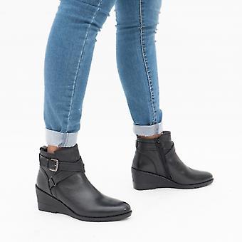 لوتس بترا السيدات الجلود الكاحل أحذية الأسود