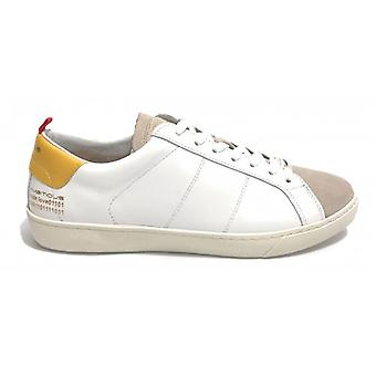 Men's Shoe Ambitious 8102 Sneakers In White Leather / Yellow Us20am01