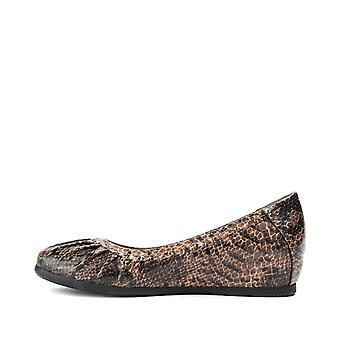 Bare Traps Womens Norma Leather Almond Toe Loafers