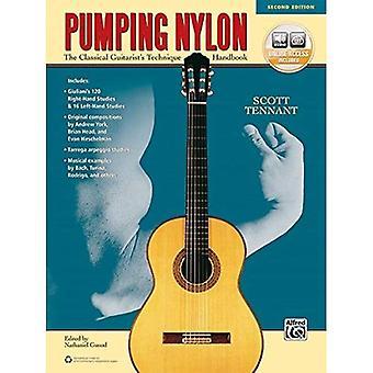 Pumpende Nylon: Ein klassischer Gitarrist Technik Handbuch (Buch & Online-Audio)