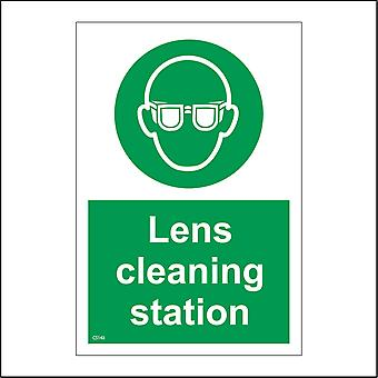 CS143 Lens Cleaning Station Sign with Circle Face Glasses