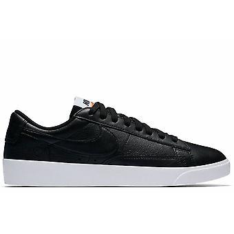 Blazer Low LE Black Sneakers