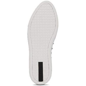 Kenneth Cole New York naisten ' s Mara Stud huomautti toe slip on Sneaker