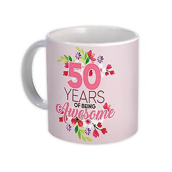 ספל מתנה: 50 שנים של להיות מדהים 50