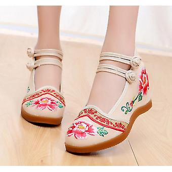 Women's Chinese Vintage Ethnic Embroidery High Heel Flower Lace Dress Shoe
