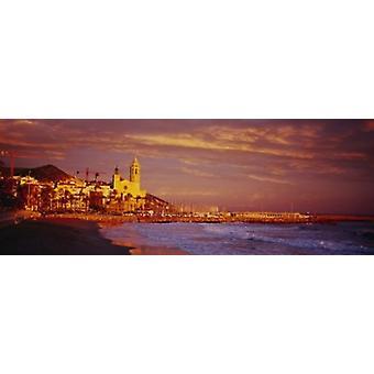 Erhöhte Ansicht eines Strandes Sitges Spanien Poster Print