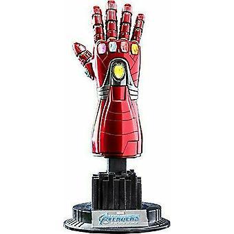 Replika Avengers 4 Endgame Nano Gauntlet w skali 1:4