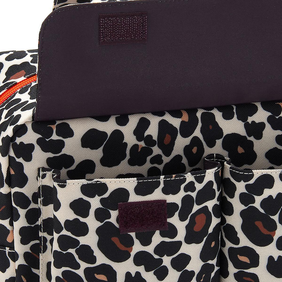 'victoria green' iris carry all wash bag in leopard tan