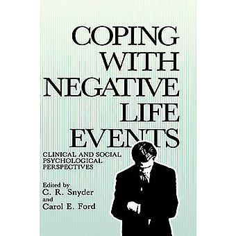 التعامل مع أحداث الحياة السلبية المنظورات النفسية السريرية والاجتماعية حسب سنايدر & س. ر.