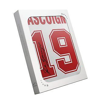 بول غاسكوين وقعت 1990 انكلترا قميص. في صندوق الهدايا