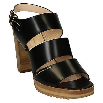 Heeled sandały z platformy w czarne skórzane paski