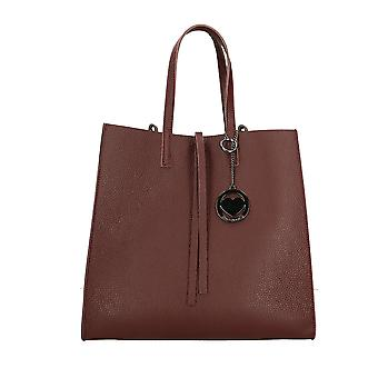 Handbag made in leather P3337