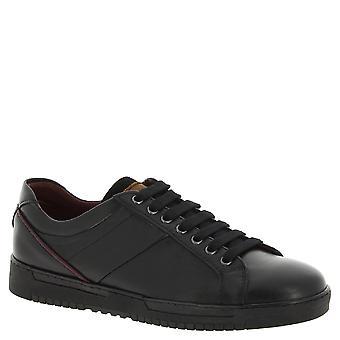 أحذية نيكولاس الرجل في جلد العجل الأسود مع تفاصيل بورجوندي