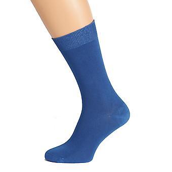 גרביים כחולות לגברים