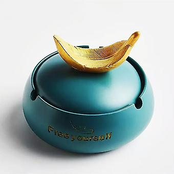 Nordic INS Wind Girl Anti Fly Ash Resin Ashtray With Cover  For Home Decoration Furnishings