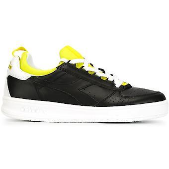 B. Elite Socken Sneakers