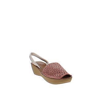 Reaction Kenneth Cole | Fine Glass Platform Wedge Sandals