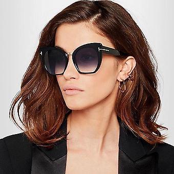 Stora solglasögon inspirerade av 2020 trender