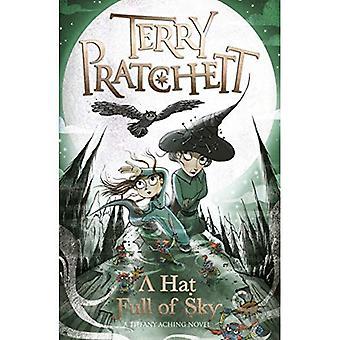 Un cappello pieno di cielo: un romanzo di Tiffany Aching - Discworld romanzi (Paperback)
