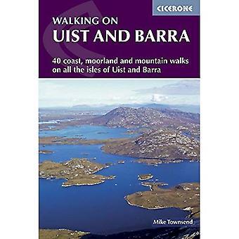 Gå på Uist och Barra (Cicerone Guide)