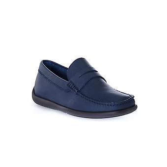Frau brio blauwe schoenen