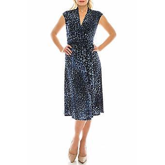 שמלת ג'ינס עם הדפסת נמר דמוית מעטפת