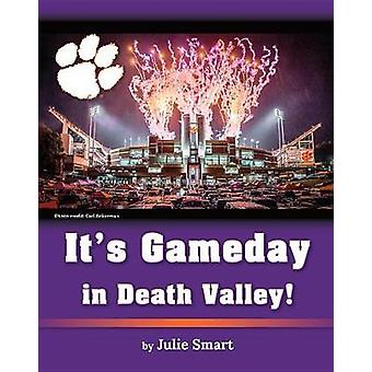 It's Gameday in Death Valley! by Julie Smart - 9781684010530 Book