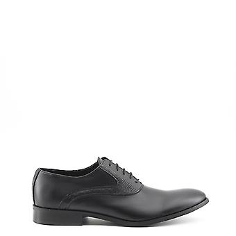 Man rubber laced shoes mi23927
