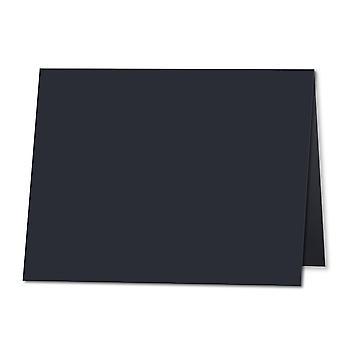 Tummansininen. 165mm x 230mm. Tervehdys (Pitkä reuna). 235gsm taitettu kortti tyhjä.