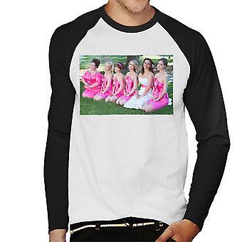 Brudtärnor Brudar Brudfest Foto knästående på gräsmattan Men's Baseball Långärmad T-shirt