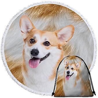 جميلة الكلب بيتش منشفة