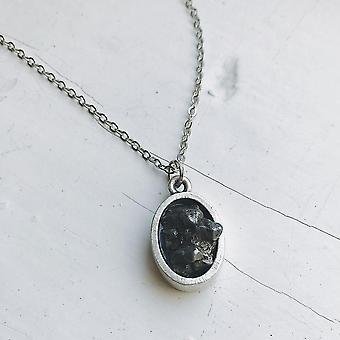 Colar de pingente de meteorito cru