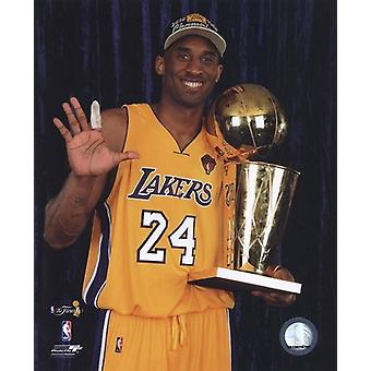 Kobe Bryant - 2010 NBA Finals Game 7 - Championship Trophy5 Fingers in Studio(#27) Sports Photo (8 x 10)