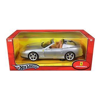 Ferrari Super America Diecast Model Silver 1/18 Diecast Model Car par Hotwheels