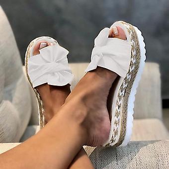 Kvinnliga sandaler, Modeklackade sommarskor