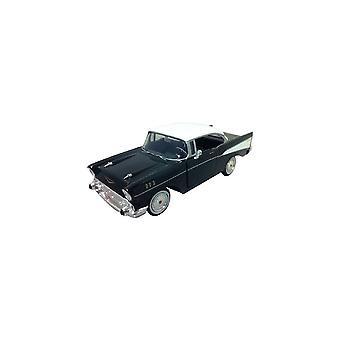 MotorMax  American Classics - 1957 Chevy Bel Air Black & White  1:24