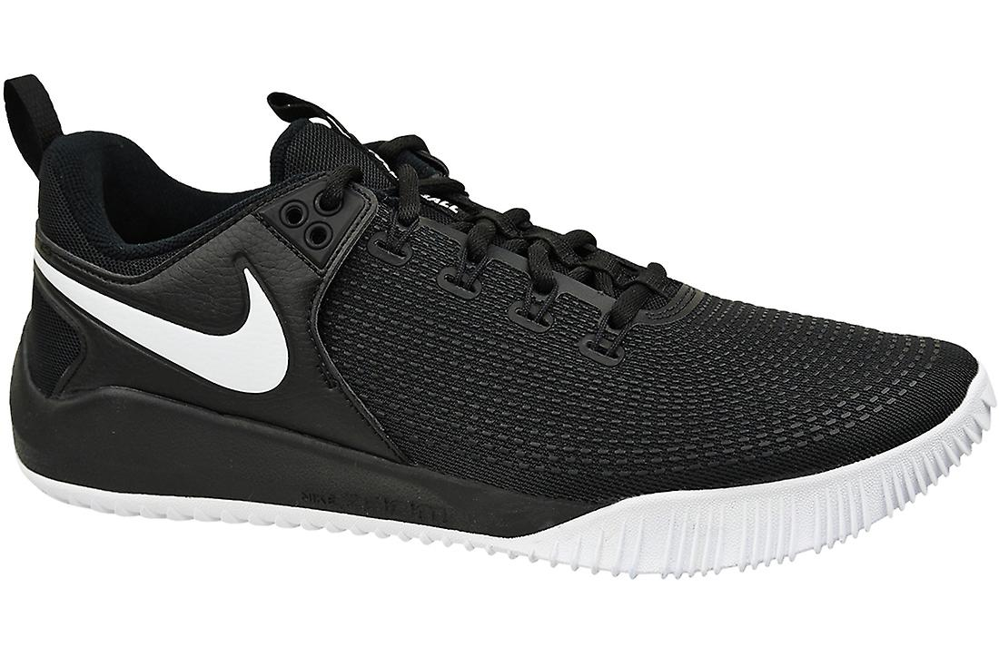 nike black volleyball shoes